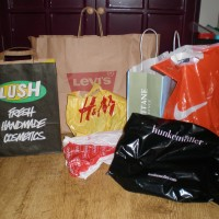 Shoplog Maastricht en Maasmechelen Village: H&M, Hema, Kruidvat, Levi's, L'Occitane en Lush